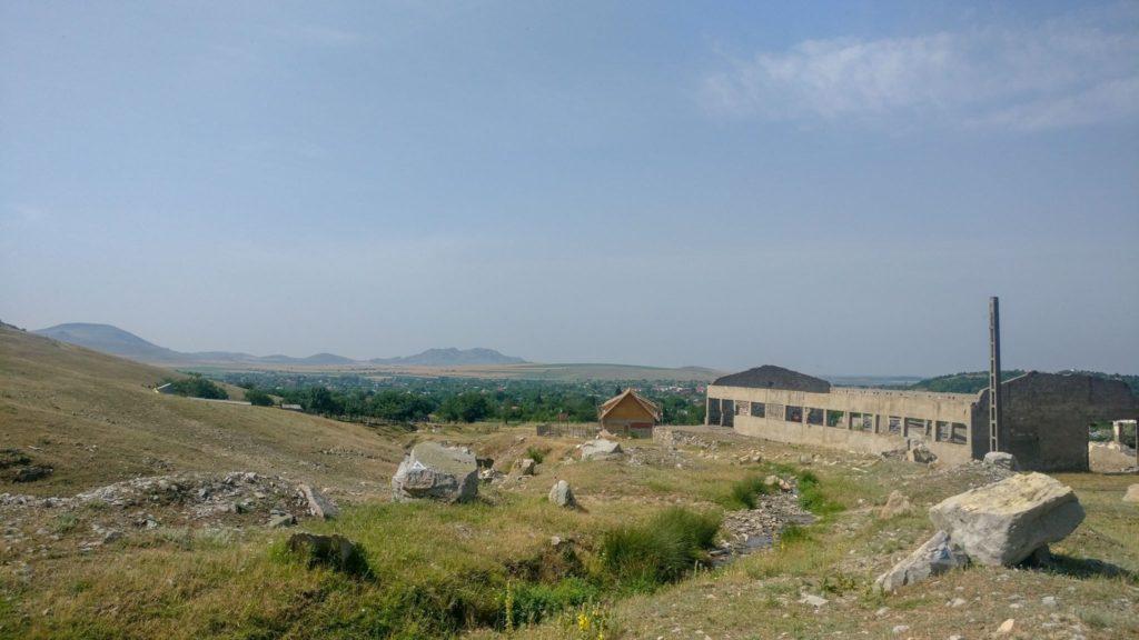 Urcarea din satul Greci, catre Vf Tutuiatu