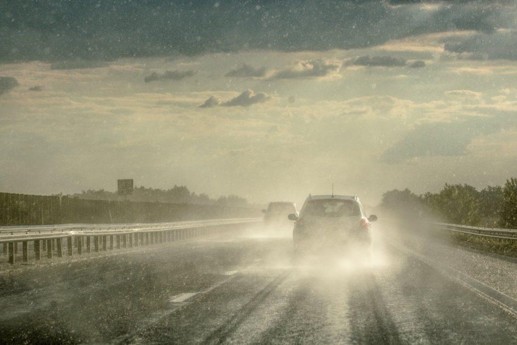 Ploaia pe austostrada