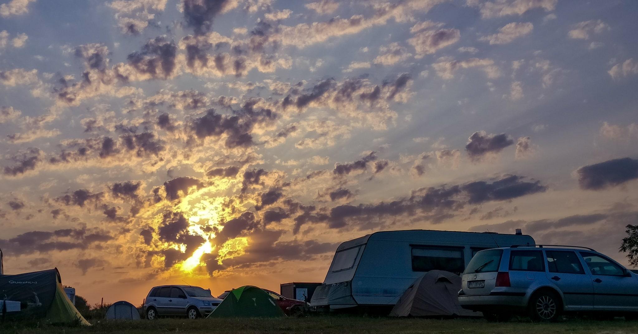 Apusul peste Camping Marina