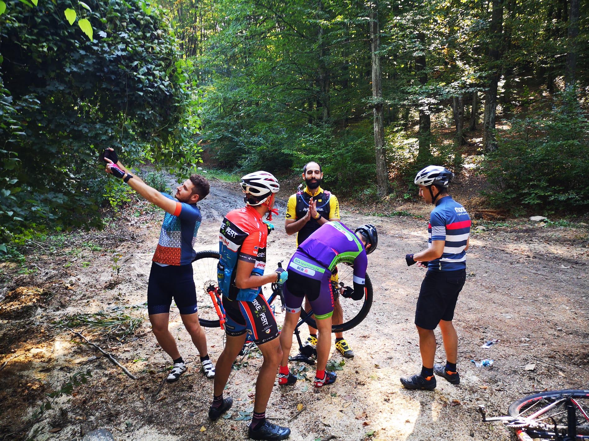 De cati biciclisti e nevoie sa schimbi un lant?