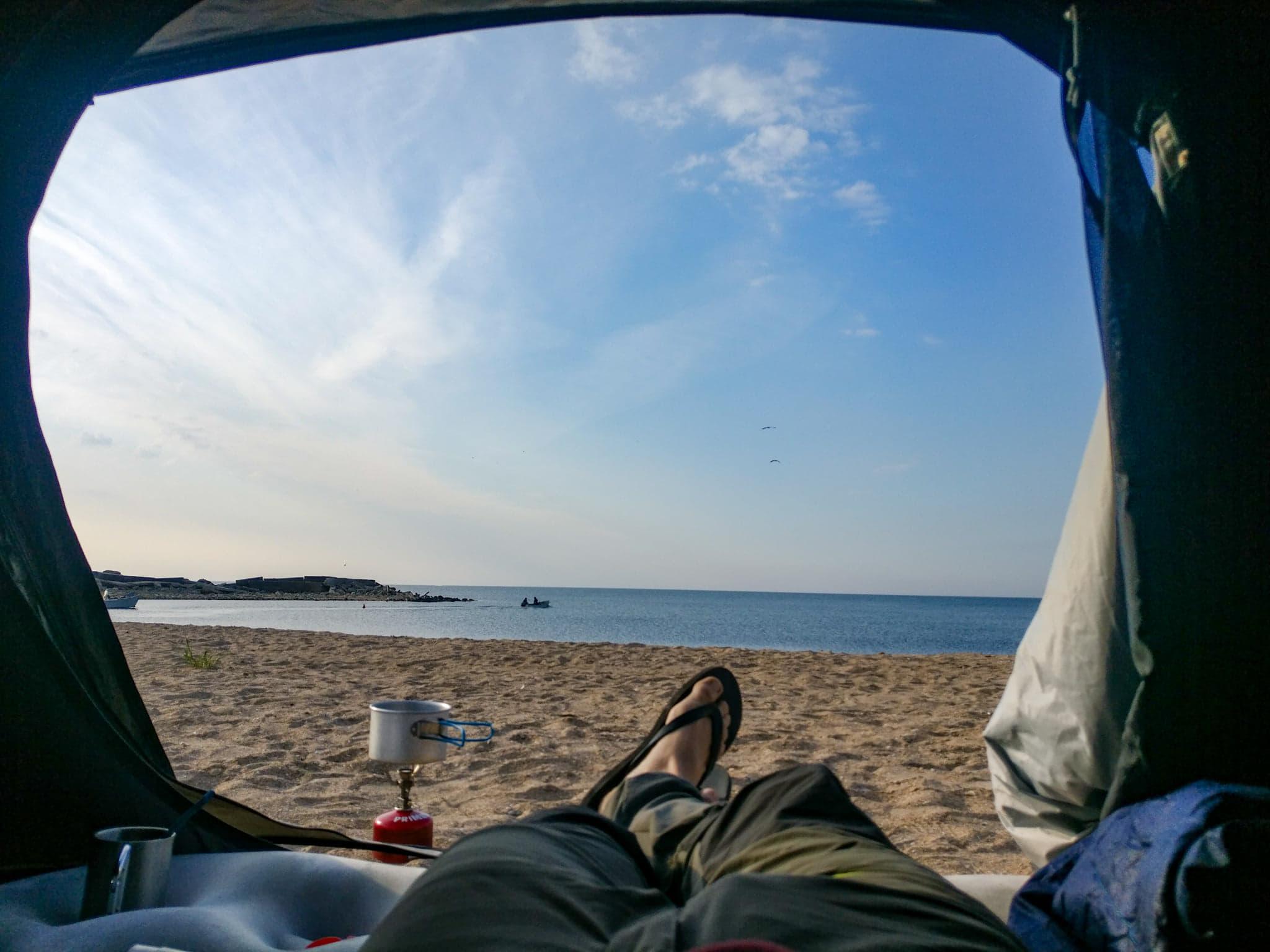Dimineata la rasarit, pe plaja de la Micul Golf - 2 Mai