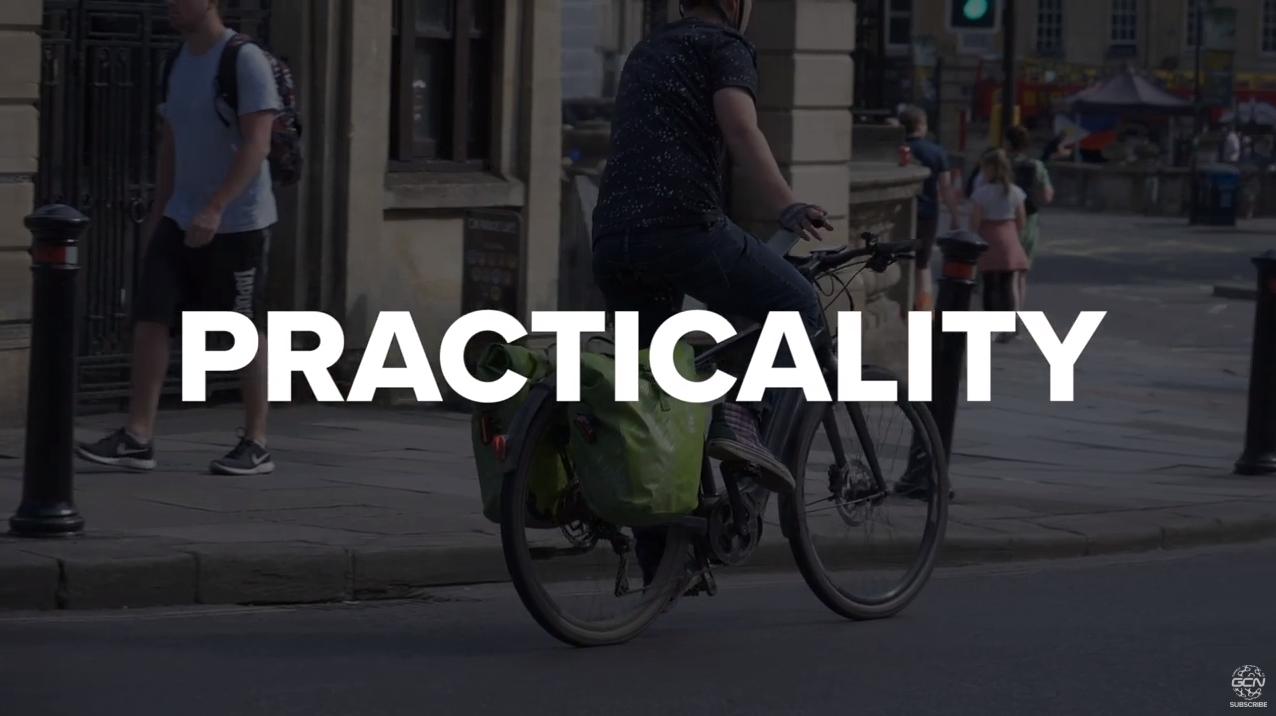 Bicicleta este infinit mai practica