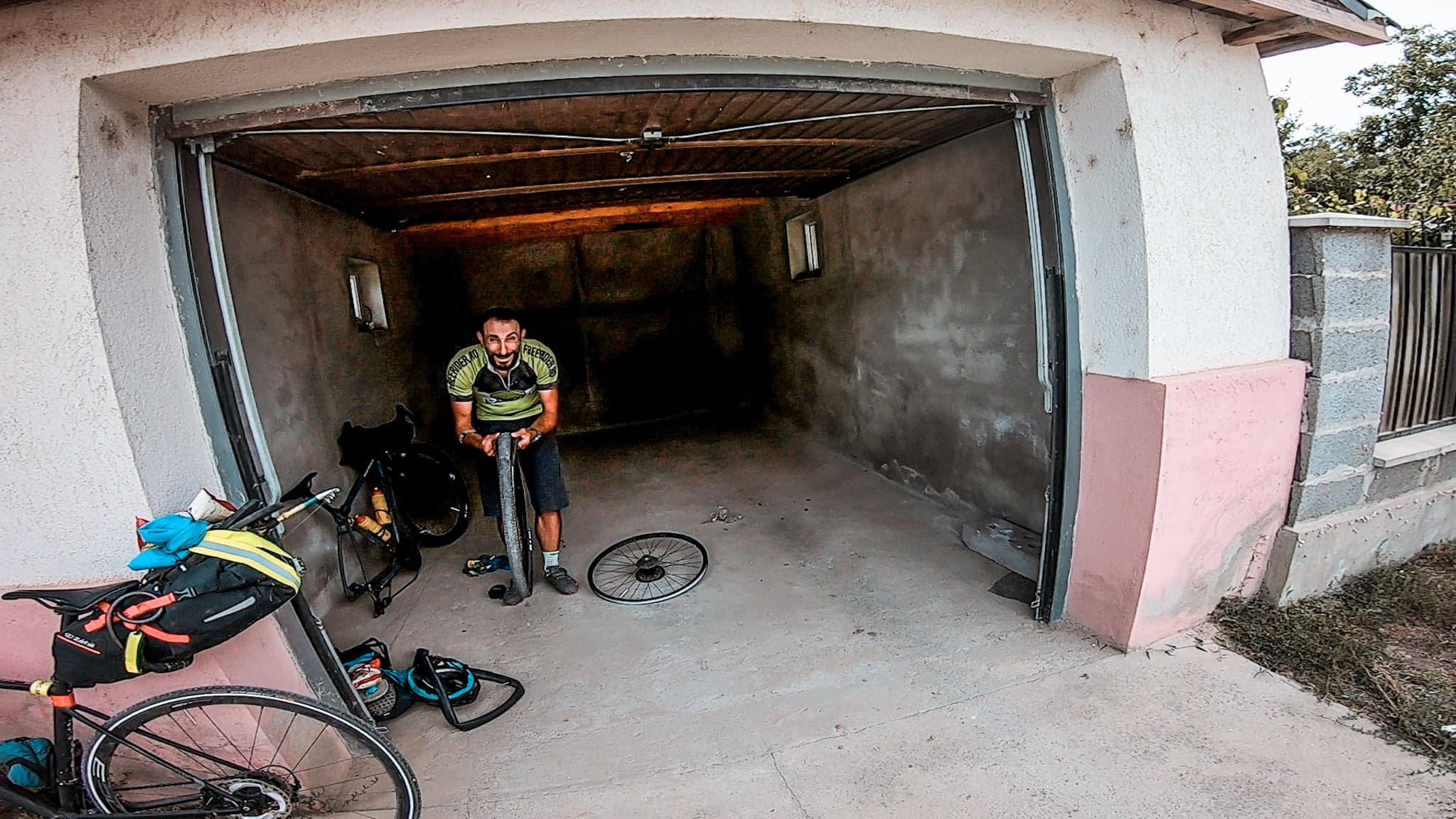 Reparand pana pe tura de bikepacking spre Vama