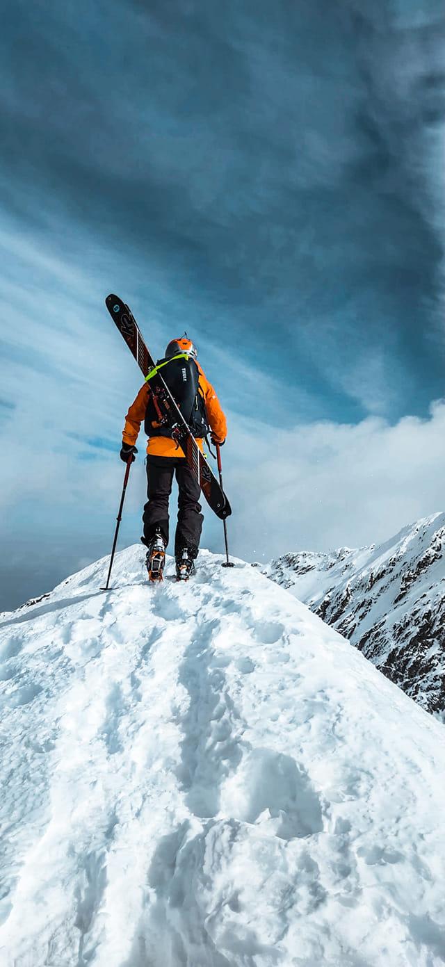 Ski alpinism pe creasta Fagarasilor de langa Vanatoarea lui Buteanu