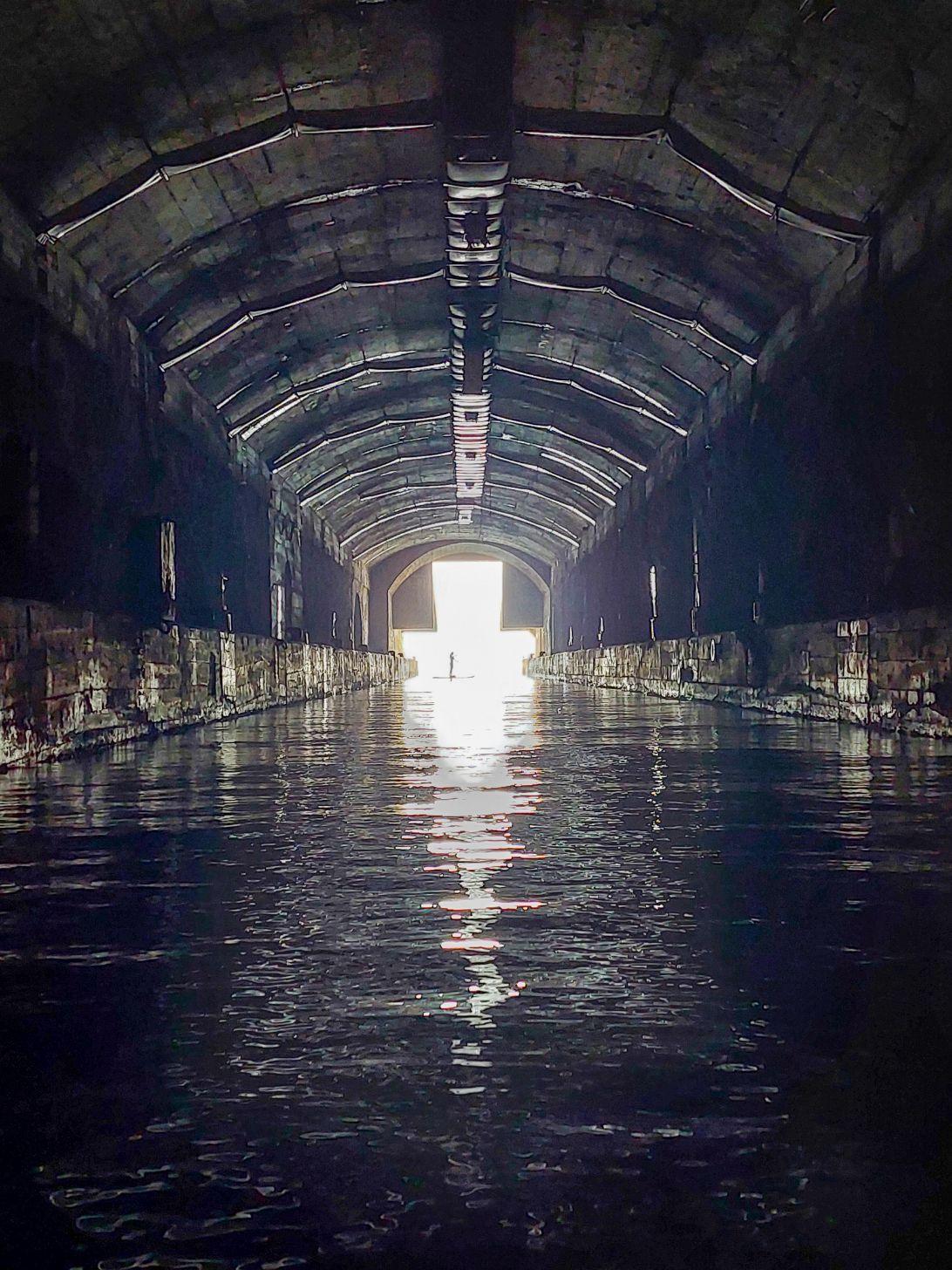 Tunelul port de mentenanta a submarinelor yugoslave