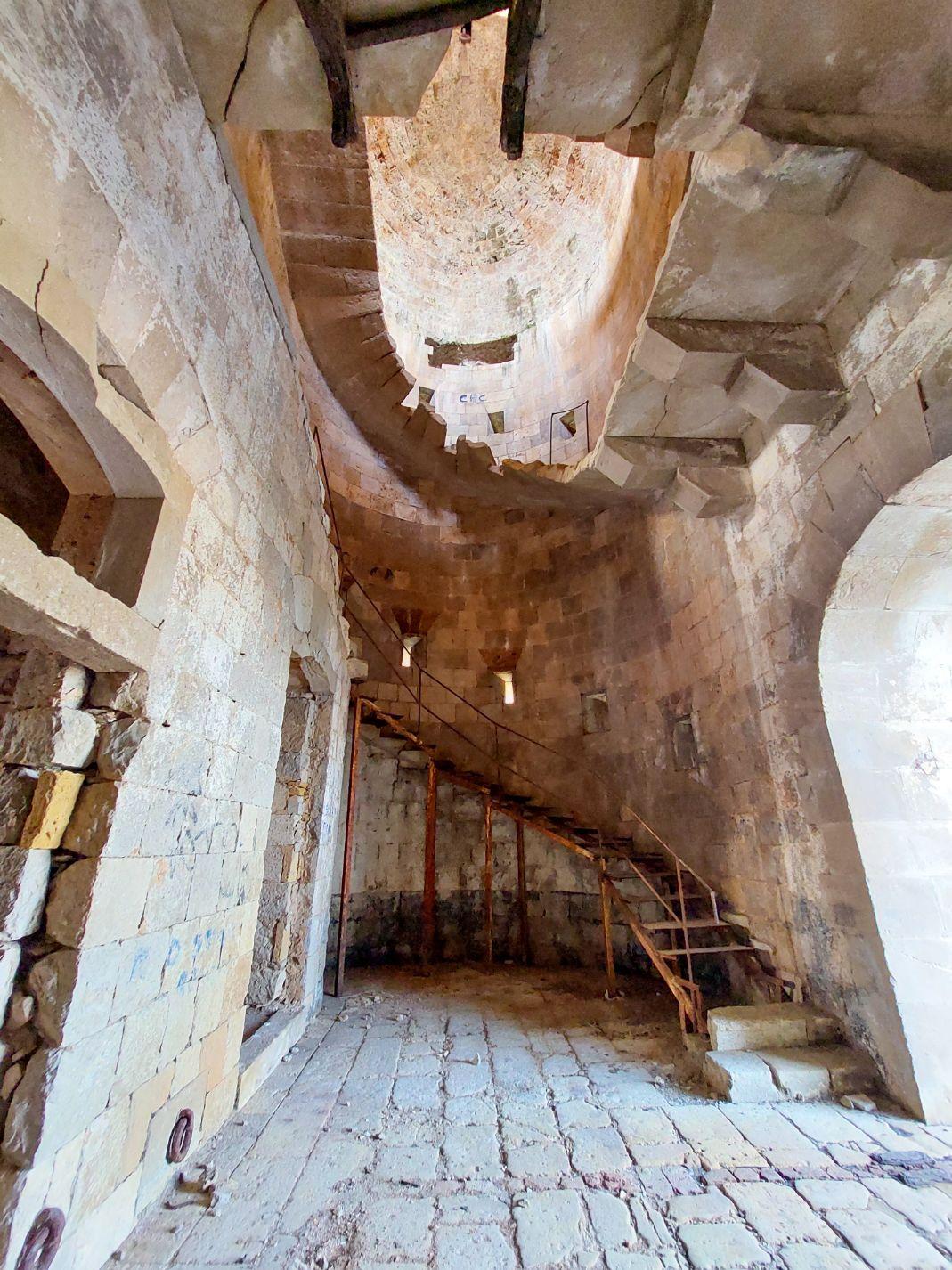 Scarile din fortul Arza